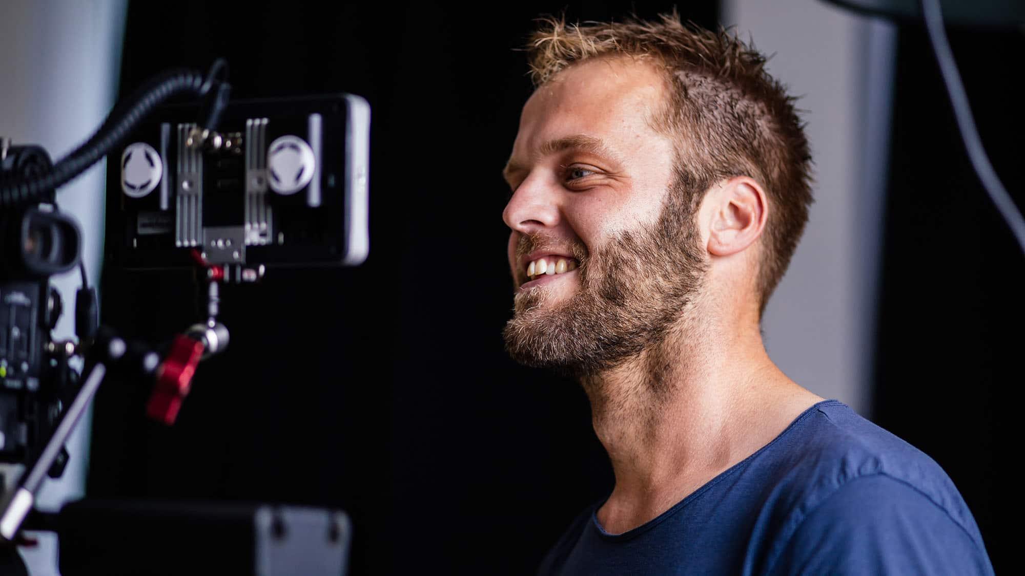 Kevin filmt met de Canon C200